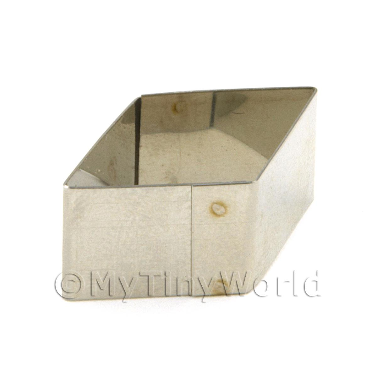 Metal Diamond Shape Sugarcraft / Clay Cutter (28mm)