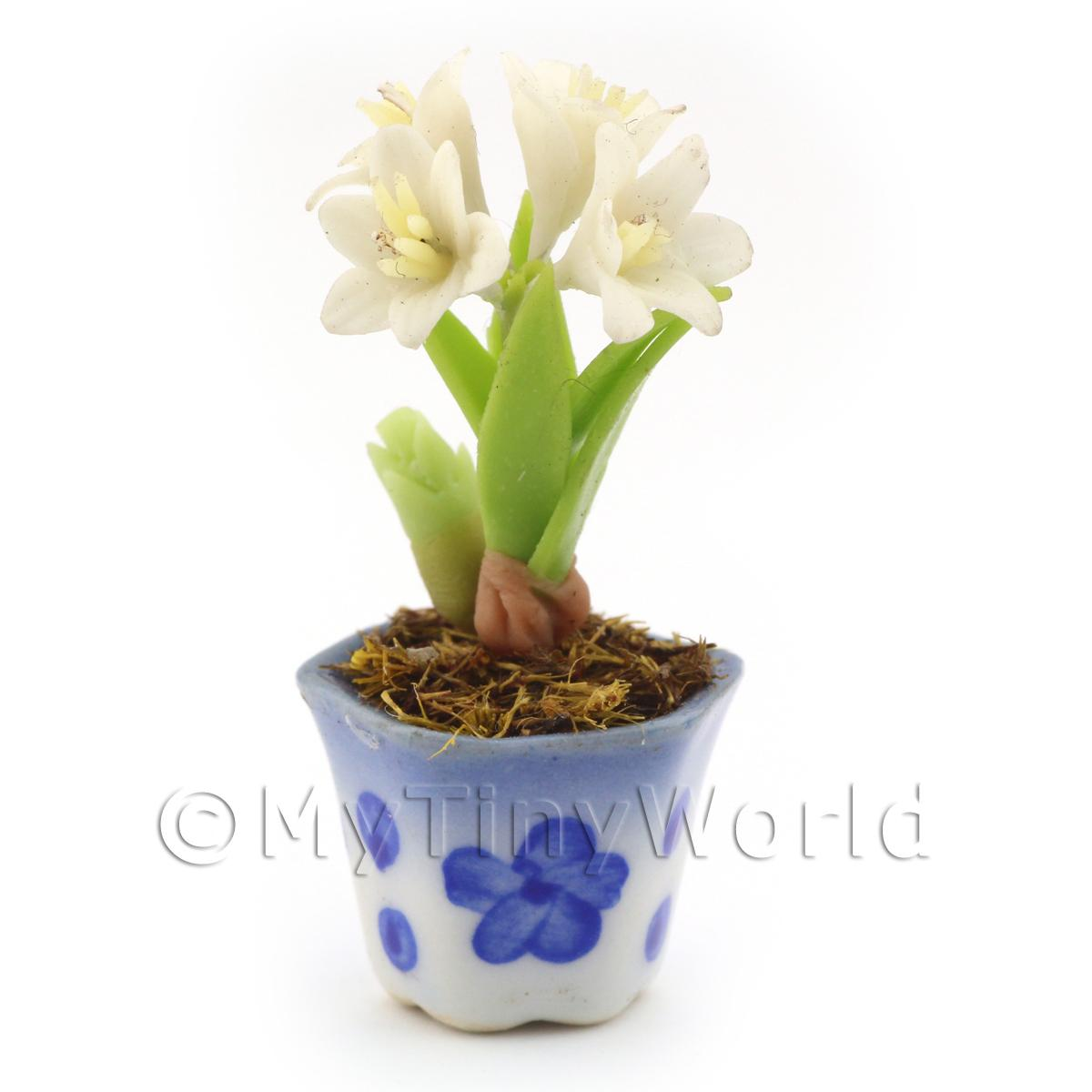Dolls House Miniature White Lilly