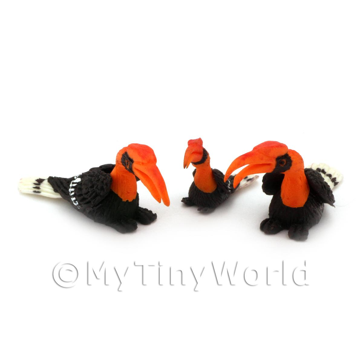 2 Dolls House Miniature Adult Orange Hornbills with Baby