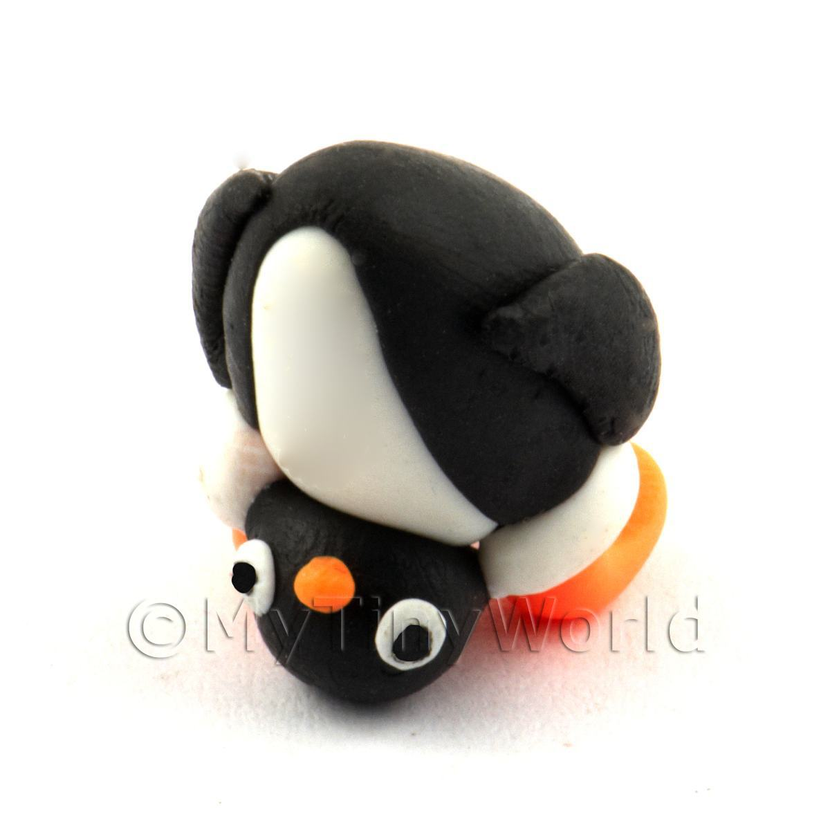 Dolls House Miniature Fun Penguin Figurine (5)