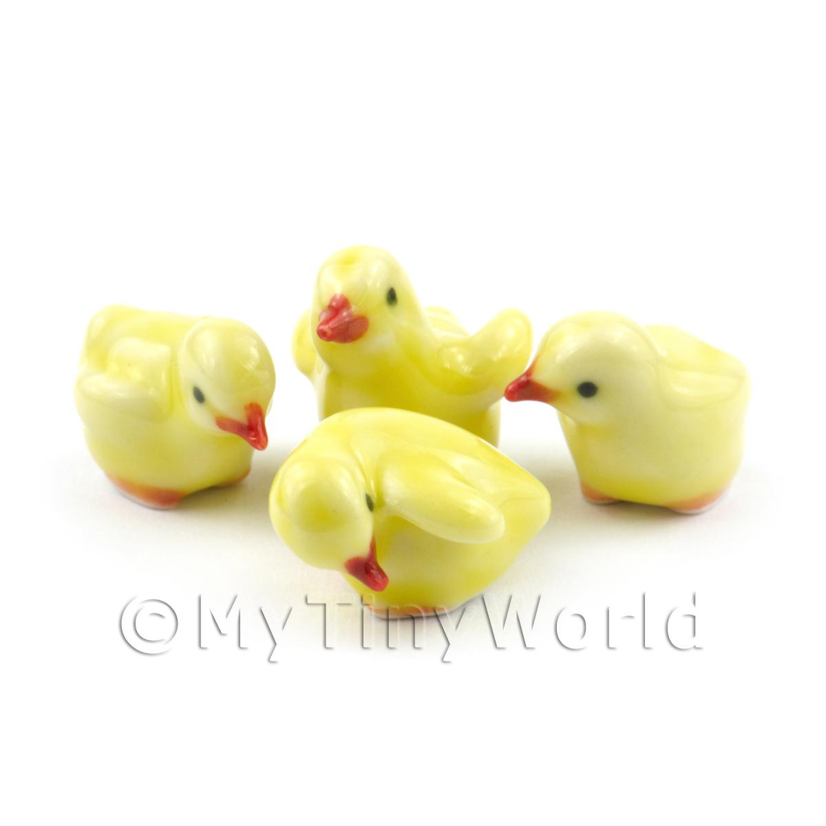 Dolls House Miniature Set Of 4 Ceramic Yellow Chicks