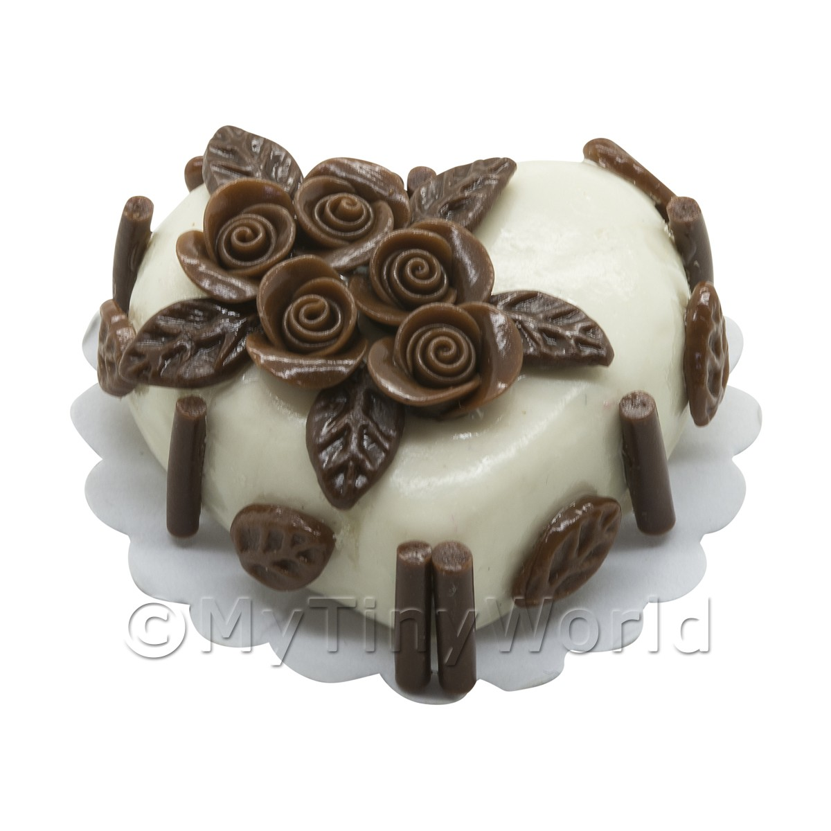 Miniature White Heart Cake With Chocolate Roses
