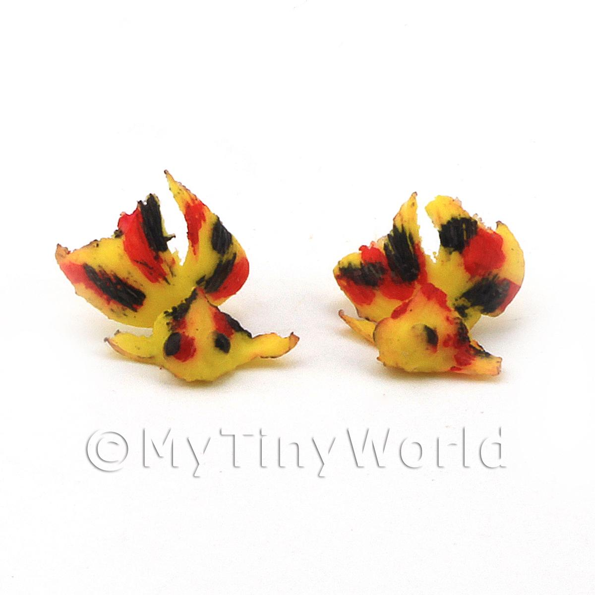 Dolls House Miniature Pair of Large Yellow Chinese Goldfish