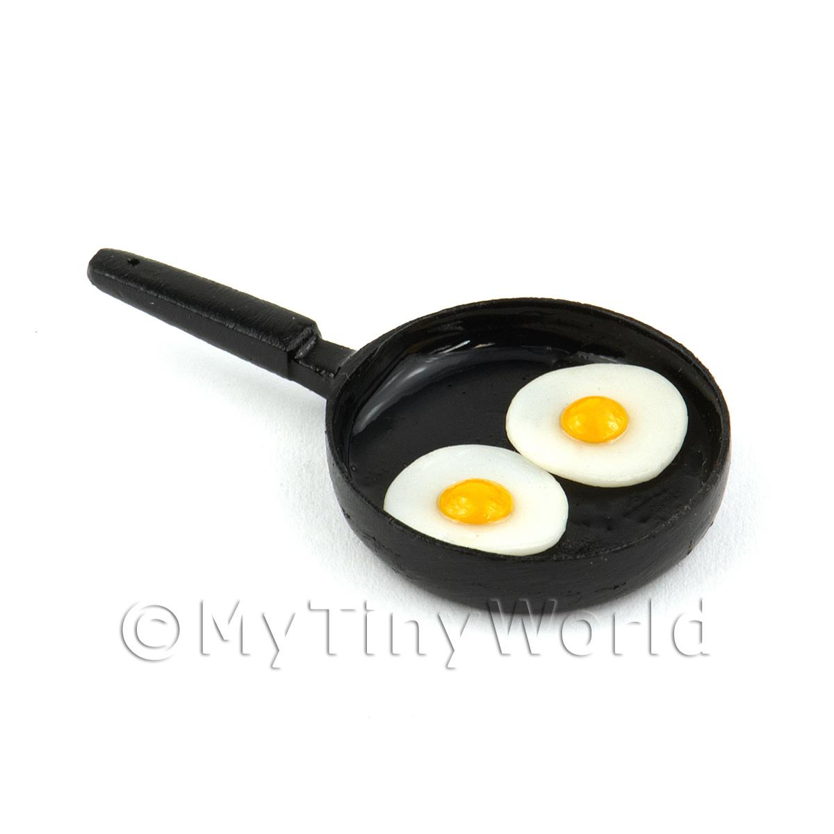 Dolls House Miniature 2 Eggs Frying in a Frying Pan