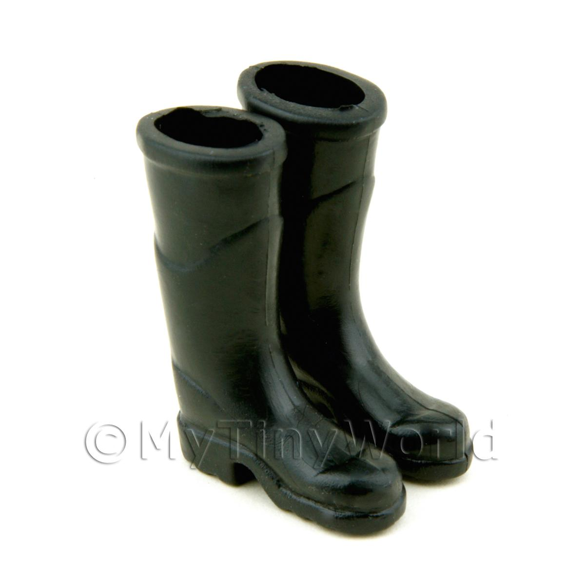 Dolls House Miniature Pair of Rubber Wellington Boots