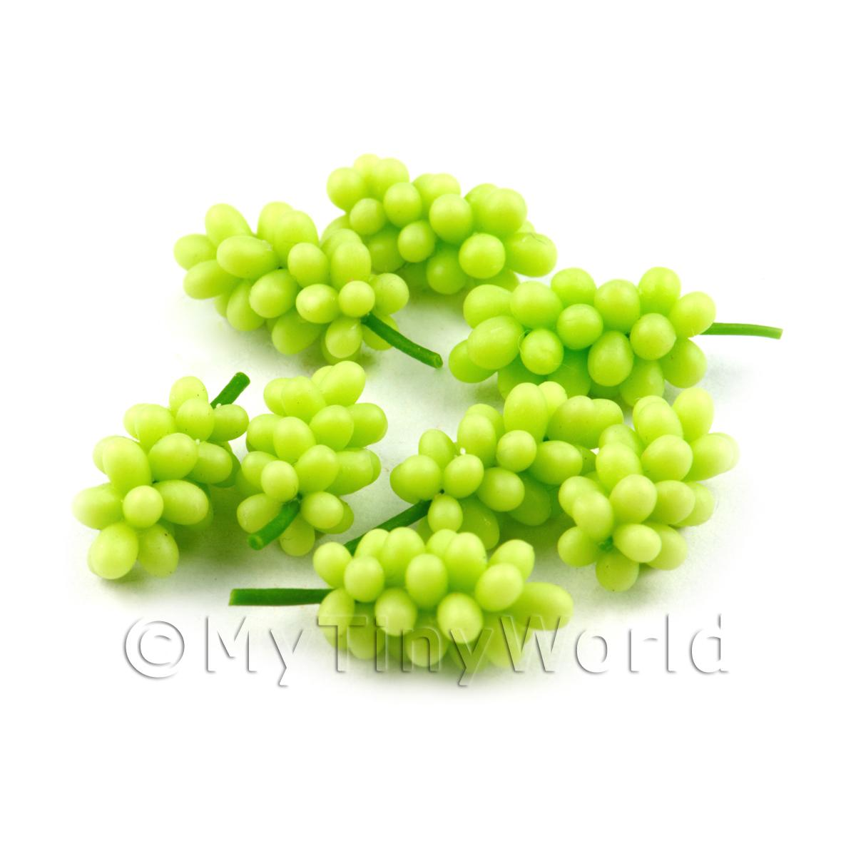 Dolls House Miniature Bunch of Green Seedless Grapes