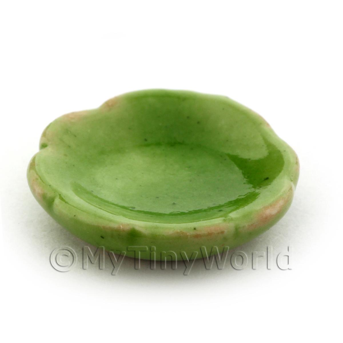 16mm Dolls House Miniature Green Scalloped Edged Plate