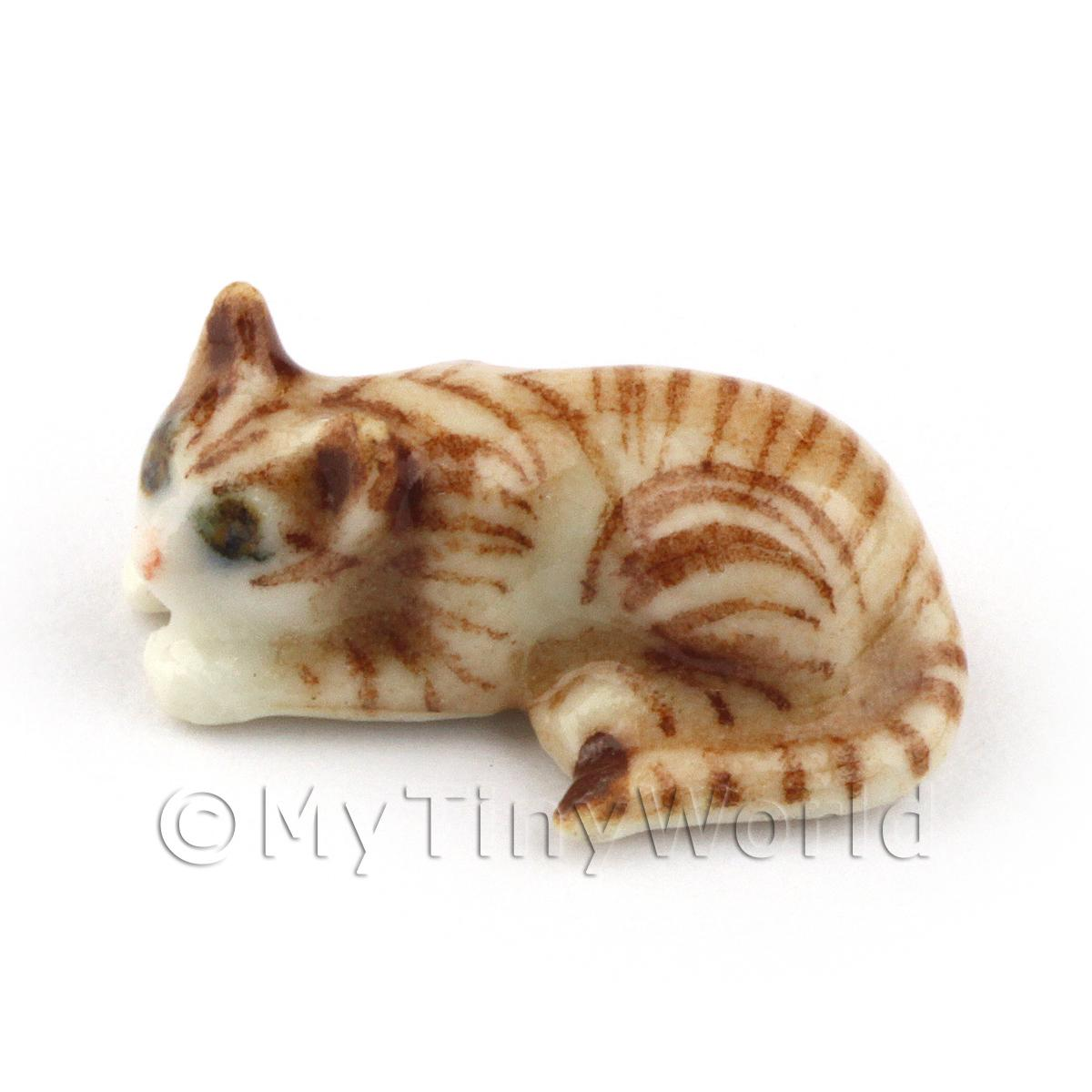 Dolls House Miniature Ceramic Brown Tabby Cat