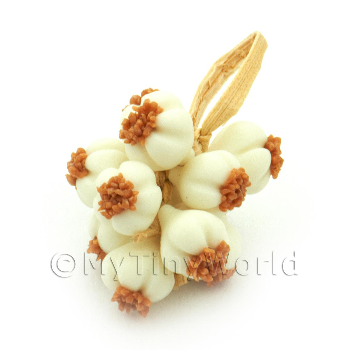 Dolls House Miniature String Of Garlic Bulbs