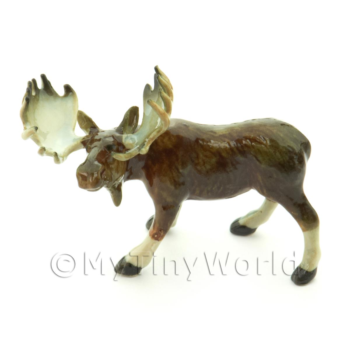 Dolls House Miniature Ceramic Moose Style 1