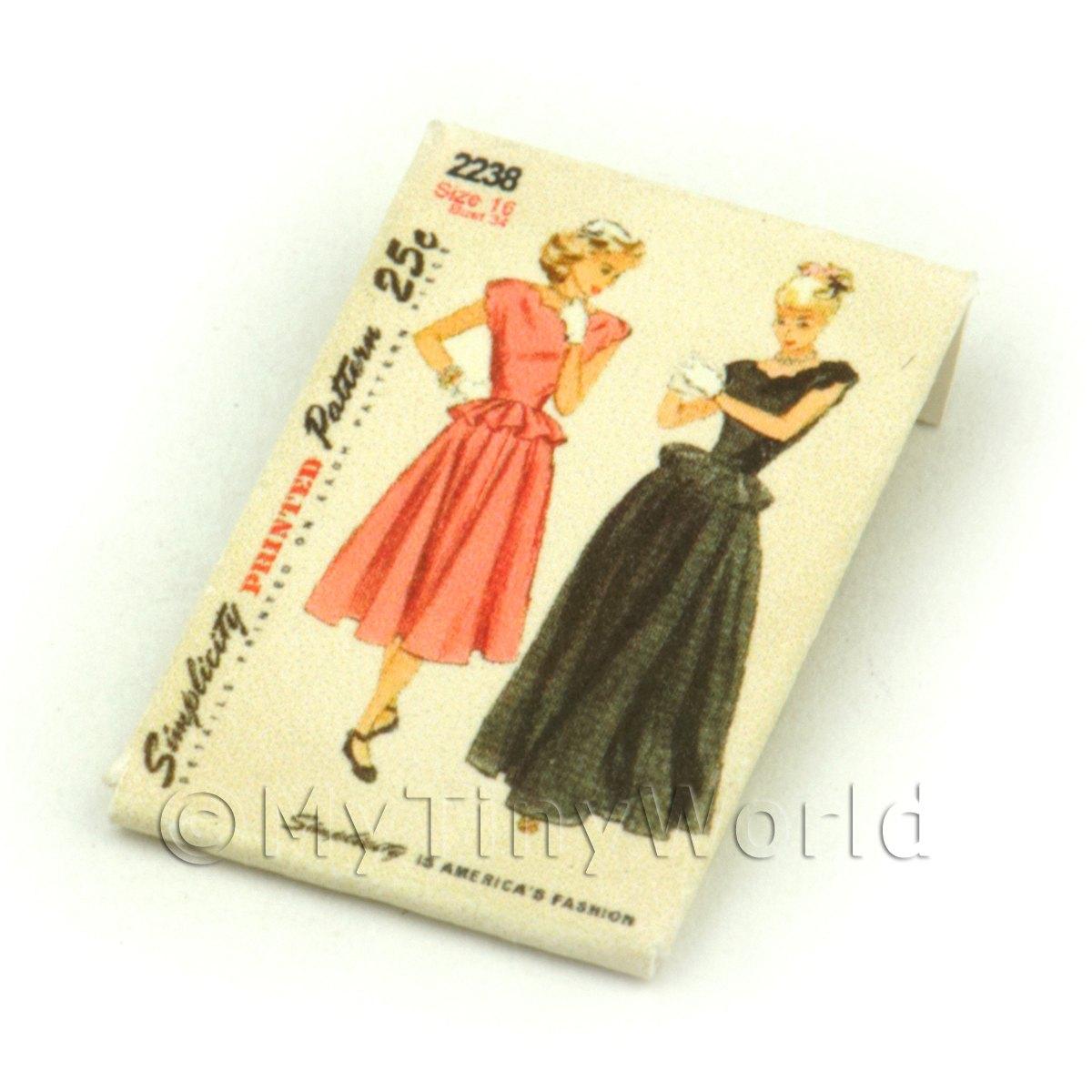 dpp001 Dolls House Miniature Simplicity Dress Pattern Packet