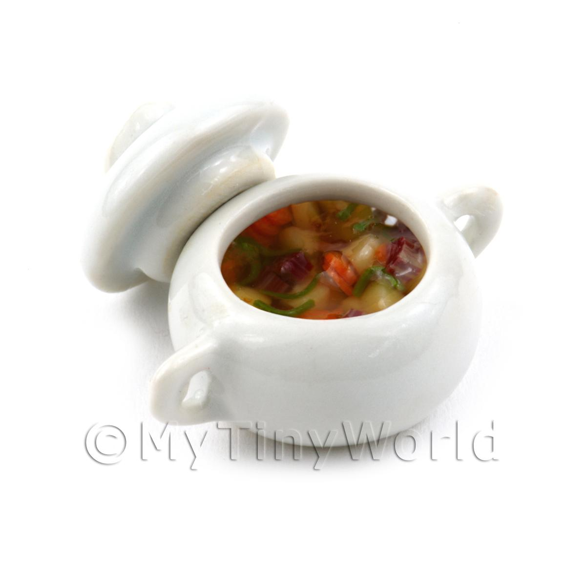 Dolls House Miniature Ceramic Pot with Casserole