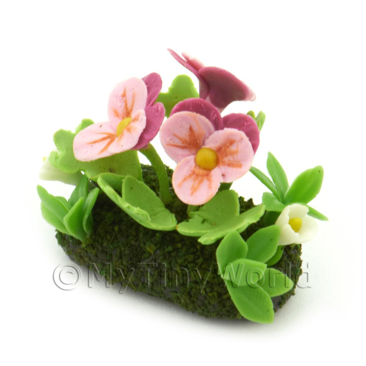 Dolls House Miniature Flower Bed Pansy