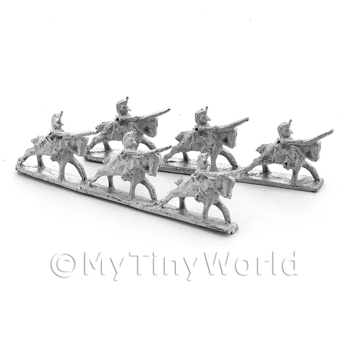 6 Dolls House Unpainted British Heavy Dragoons Charging
