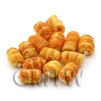 Dolls House Miniature Mini Puff Pastry Sausage Roll
