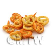 Dolls House Miniature Small Plain Pretzel