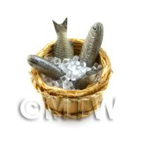 4 Dolls house Miniature Fish With Ice In A Basket (FSHB11)