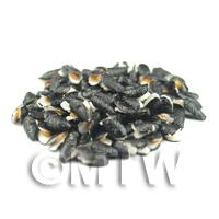 1/12th scale - Dolls House Miniature Common UK Black Mussel