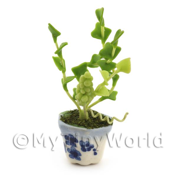 Dolls House Miniature White Grape Plant