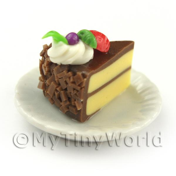 Dolls House Miniature Individual Strawberry and Cream Cake Slice