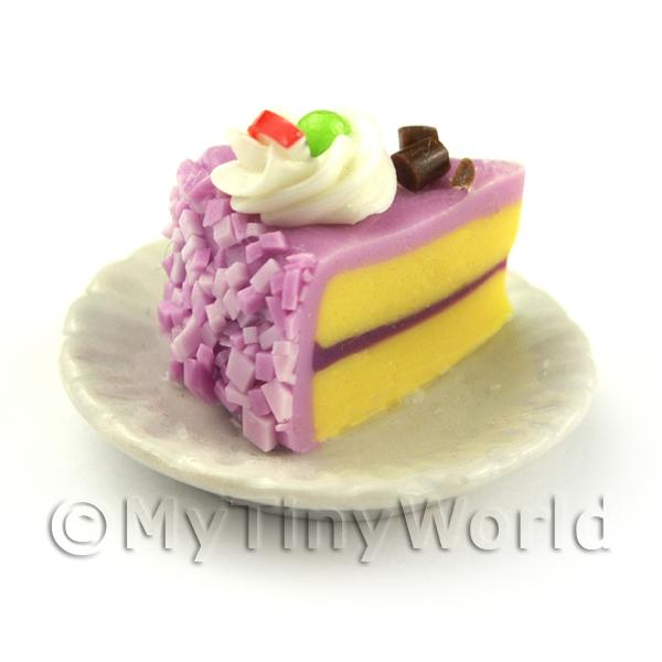 Dolls House Miniature Pink Iced Individual Dragon Fruit and Cream Cake Slice