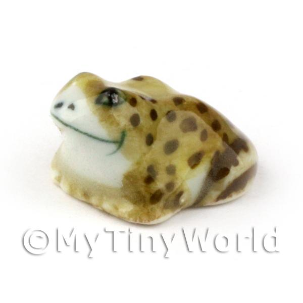 Dolls House Miniature Ceramic Brown Toad