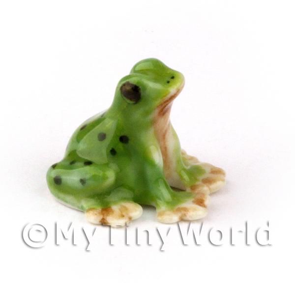 Dolls House Miniature Ceramic Sitting Green Frog