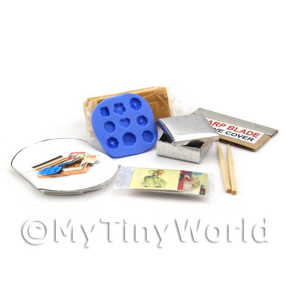 Dolls House Miniature  | Dolls House Miniature 9 Piece Biscuit Making Kit With Silicone Mould