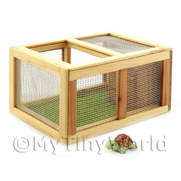 Dolls House Miniature  | Dolls House Miniature Wooden Guniea Pig / Rabbit Hutch