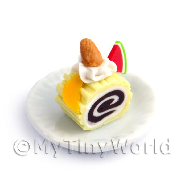 Dolls House Miniature Slice Of Lemon Roulade On A Plate (PR3)