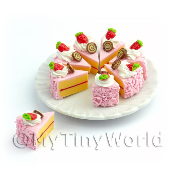 Dolls House Miniature Whole Sliced Pink Strawberry Cake