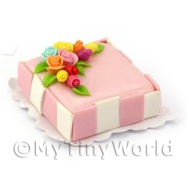 Dolls House Miniature Square Pink Topped Rose Cake