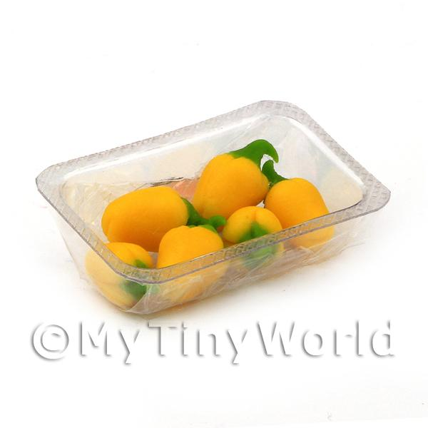Dolls House Miniature Punnet of Yellow Bell Peppers