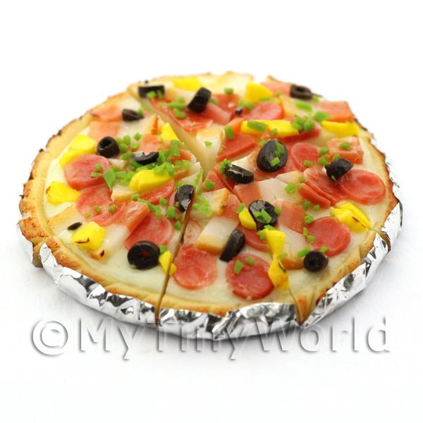 Dolls House Miniature  | Dolls House Miniature Pre-Cut Pepperoni Topped Deep Pan Pizza