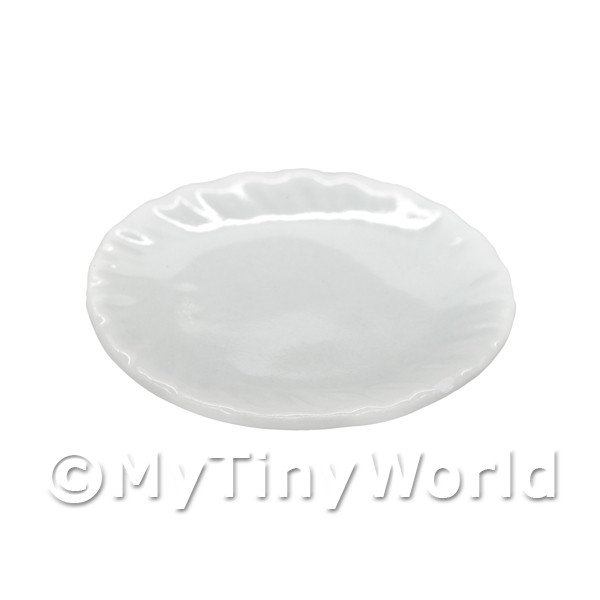 22mm Dolls House Miniature White Glazed Ceramic Plate With Fluted Edge