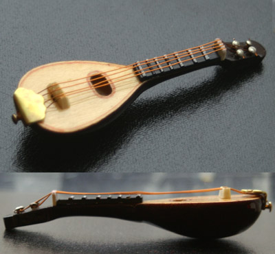 Dolls House Miniature  | Dolls House Miniature Tudor Lute Style A