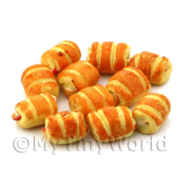 Dolls House Miniature  | Dolls House Miniature Cheese And Onion Sausage Roll