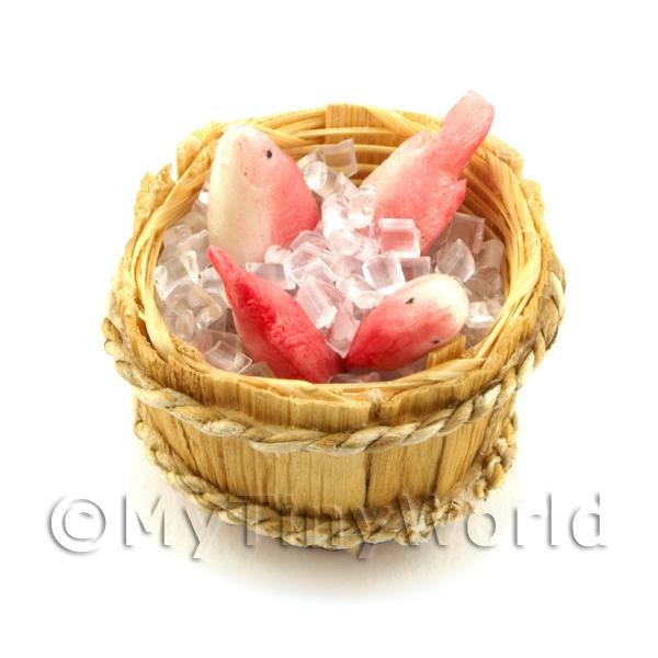 4 Dolls House Miniature Fish With Ice In A Basket (FSHB02)