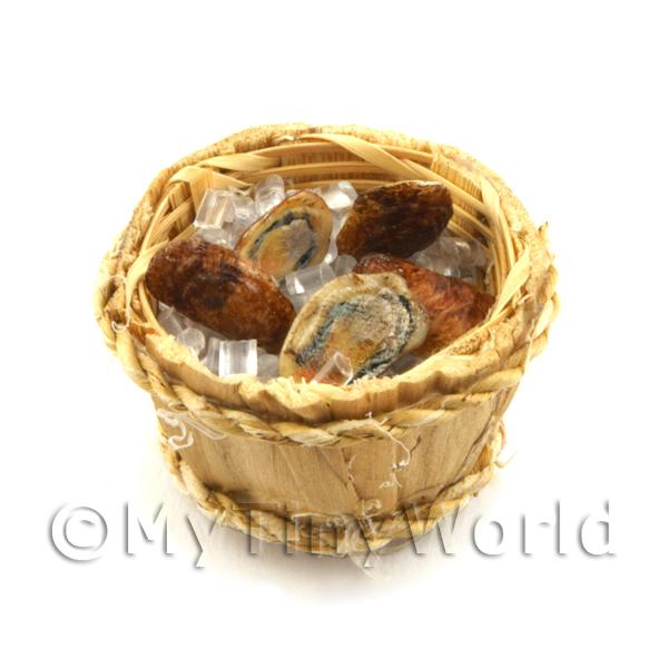 5 Dolls House Miniature Oysters In A Basket (FSHB04)