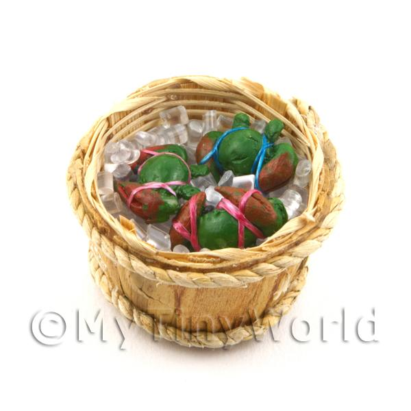 3 Dolls House miniature Crabs In A Basket (FSHB08)