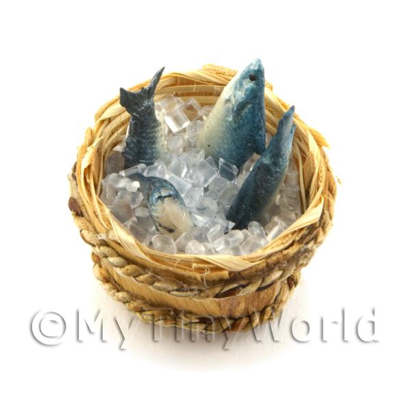 4 Dolls House Miniature Fish With Ice In A Basket (FSHB10)