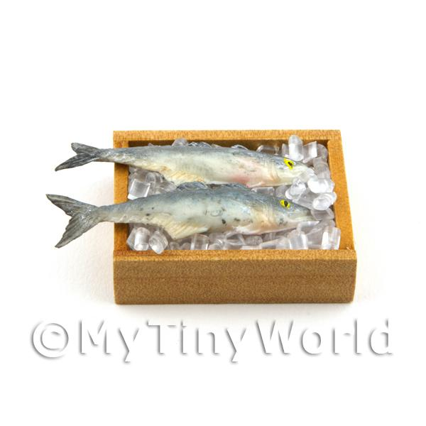 2 Dolls House Miniature Fish In A Wooden Crate (FSHB12)