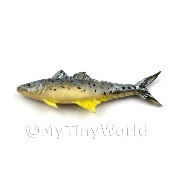 Dolls House Miniature Silver and Yellow Fish