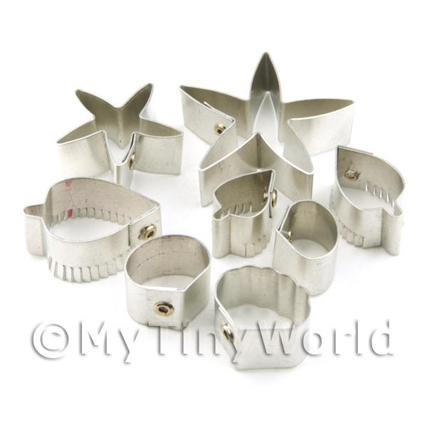 Set of 8 Medium Metal Rose Sugar Craft Cutters