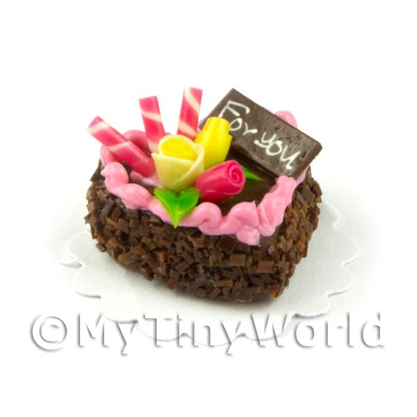 Dolls House Miniature  | Dolls House Miniature 22mm Chocolate Heart Cake