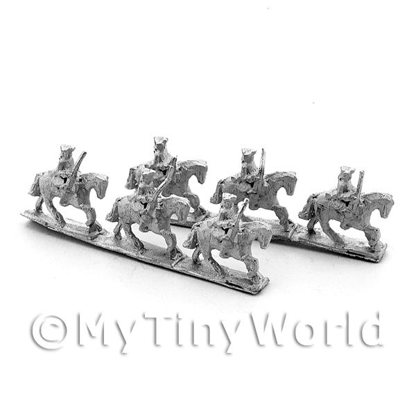 6 Dolls House Metal Marlburian British Light Cavalry