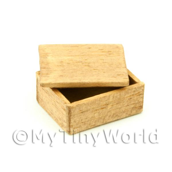 Dolls House Miniature  | Dolls House Small Aged Wood Shop Stock Box With Lid