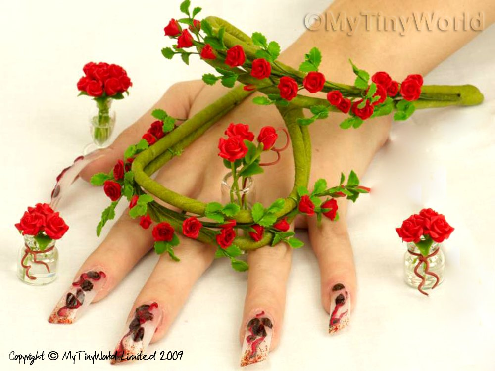 Nail Art Picture - Red Roses